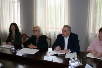 Ukrainian commissioner, French ambassador discuss human rights situation in Donbas