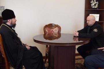Turchynov, Epiphanius discuss importance of chaplains in Ukrainian army