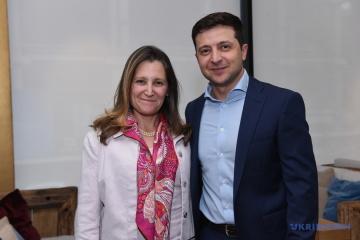 Volodymyr Zelensky et Chrystia Freeland ont discuté de la guerre à l'est de l'Ukraine