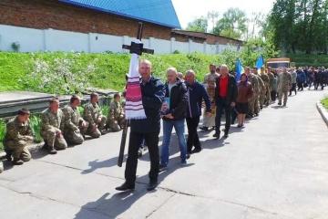 Un parachutiste de 51 ans tué dans le Donbass est enterré à Khmelnitsky