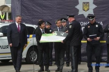 La Policía Nacional recibe 83 vehículos híbridos Mitsubishi  (Fotos)
