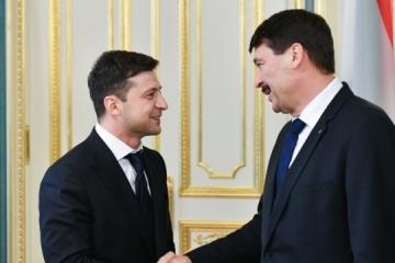 Zelensky, Áder discuss need for increasing international pressure on Russia