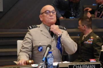 La OTAN no reconoce la anexión de Crimea y exige la liberación de los marineros ucranianos (Fotos)