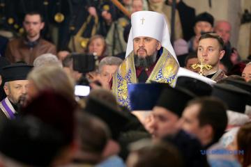 Geistliche kommen zum Synod zusammen