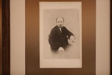 第二次世界大戦中に持ち出されていた詩人シェウチェンコの写真、キーウ市内の記念館に返還