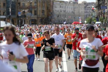 キーウ市内で「栗の下のマラソン」が開催