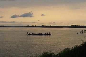 В Конго затонуло судно: 30 погибших, 200 пропавших без вести