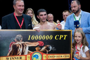 Украинский боксер Далакян получит 1 млн CPT за свой бой с Таворнхамом