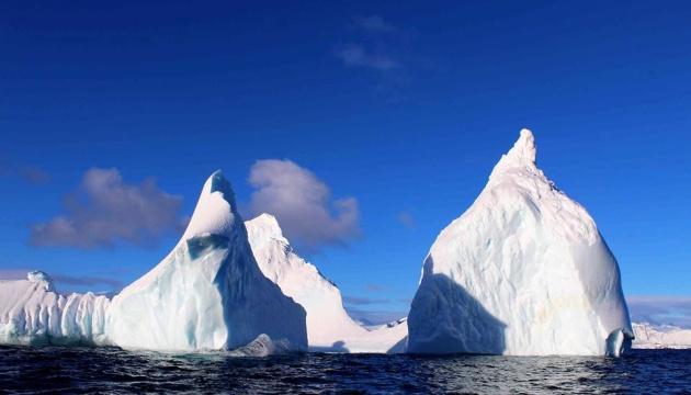 Український полярник показав фото Антарктиди після Великоднього снігопаду