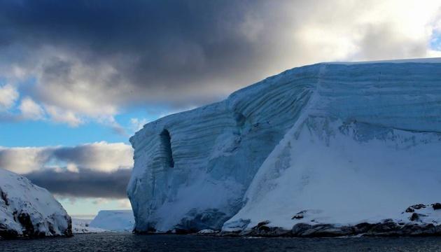 В Антарктиді зникло велике озеро