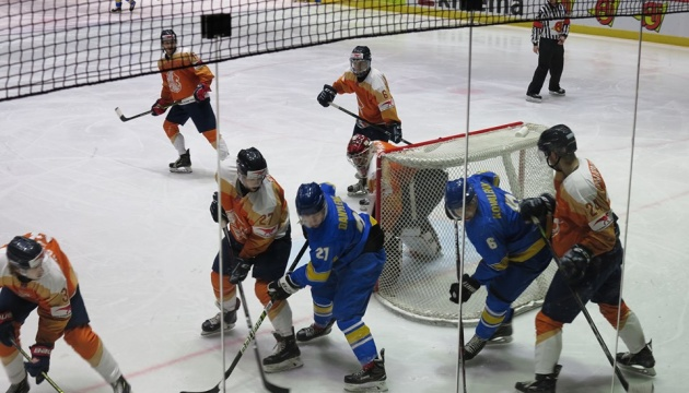 Наші хокеїсти знову «на межі»