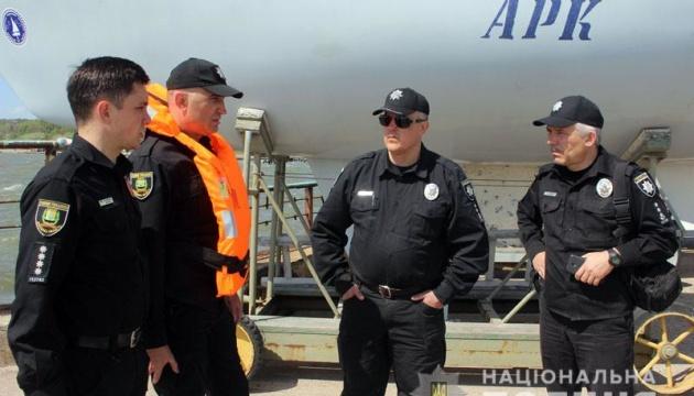 Водна поліція заступила на патрулювання узбережжя Азовського моря