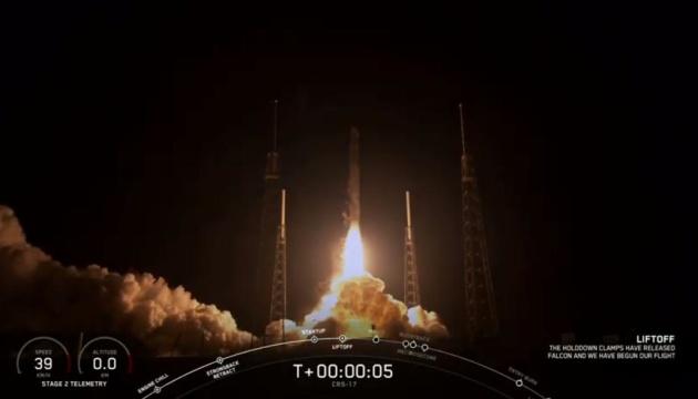 SpaceX успішно запустила корабель Cargo Dragon до МКС