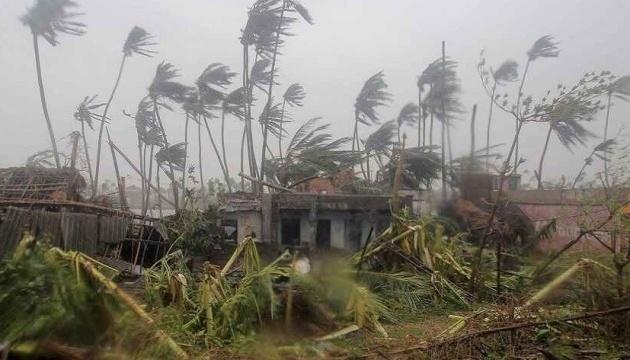 У Бангладеш через циклон