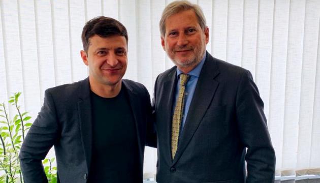 EU-Kommissar Hahn über sein Treffen mit Selenskyj