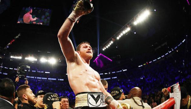 Альварес потіснив Усика з трійки кращих боксерів світу за версією The Ring