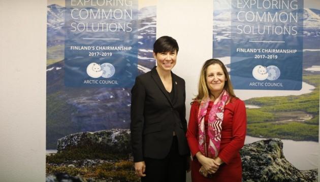 Глави МЗС Канади та Норвегії обговорили конференцію щодо реформ в Україні