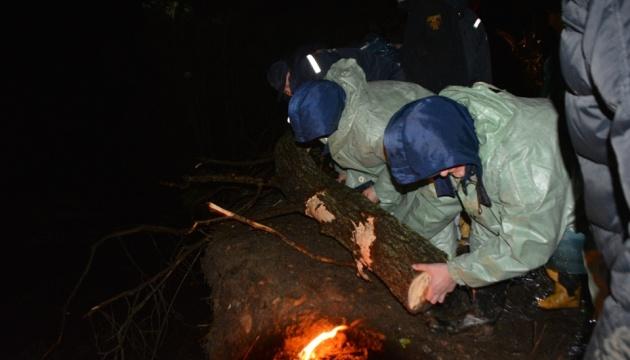 На Буковині цілу ніч укріплювали дамбу на річці через загрозу прориву