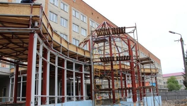 На Вінниччині завершують реконструкцію інфекційного відділення обласної дитячої лікарні