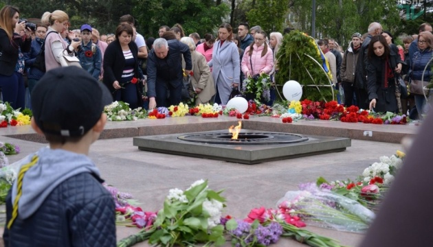 День перемоги: у Миколаєві зібрали кілька акцій, марш і флешмоб