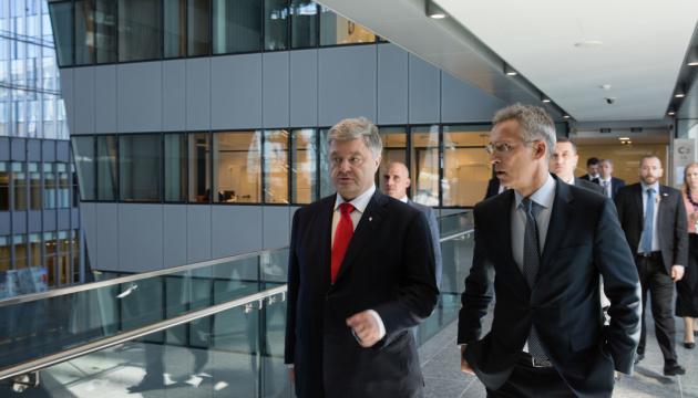 Poroszenko omówił kwestie bezpieczeństwa na Morzach Czarnym i Azowskim ze Stoltenbergiem