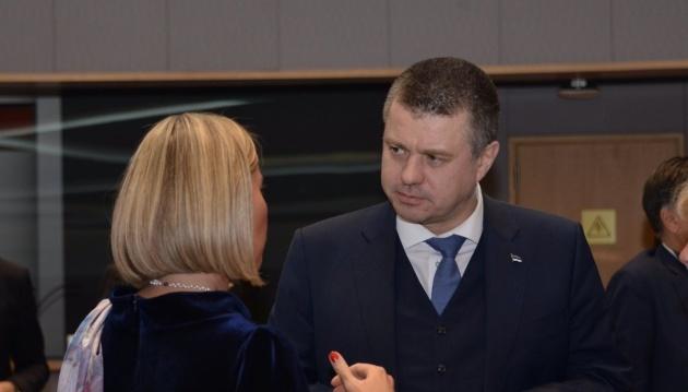 Глава МИД Эстонии: ЕС должен расширить санкции за паспорта РФ на Донбассе