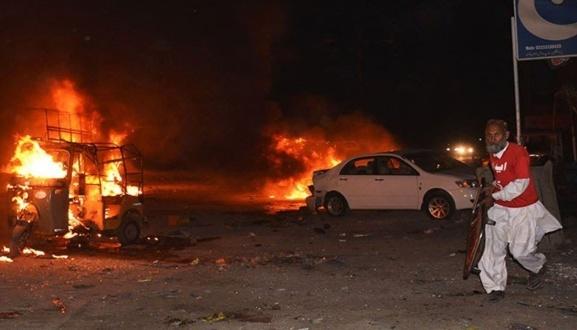 На ринку у Пакистані стався вибух, загинули четверо поліцейських