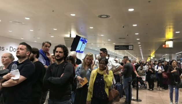 Через страйк диспетчерів скасували понад 100 рейсів з аеропорту Брюсселя