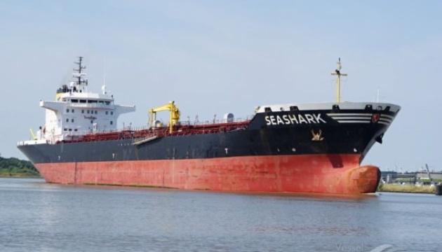 Египетские военные удерживают танкер с украинцами на борту