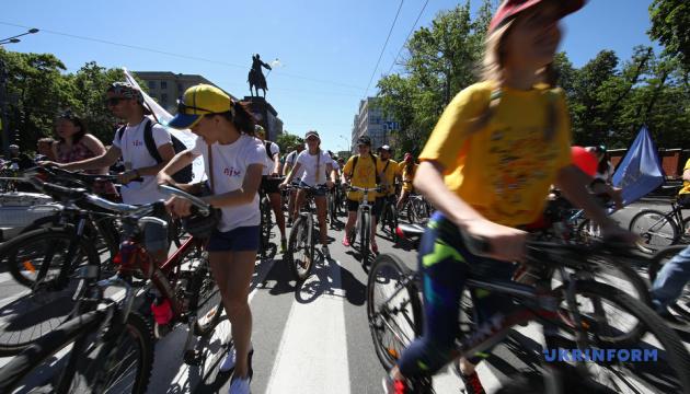 Харковом проїхалися 10 тисяч велосипедистів