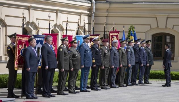 Зеленський взяв участь у церемонії представлення командувачів ЗСУ