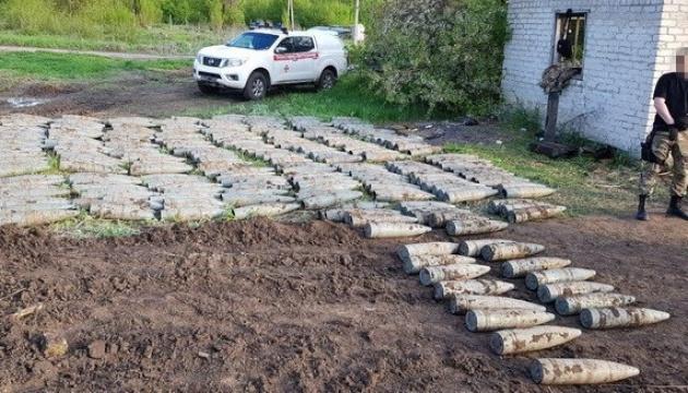 СБУ виявила на Луганщині великий схрон з артснарядами