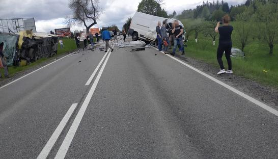ДТП з автобусом у Польщі: загинула одна людина, постраждали 32