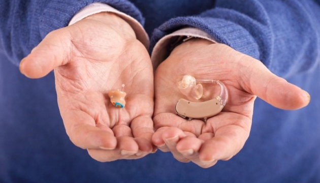 Мінфін обіцяє забезпечити кохлеарними імплантами усіх дітей, які їх потребують