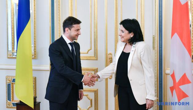 Визит президента Грузии в Украину перенесли из-за насыщенных графиков лидеров стран — МИД