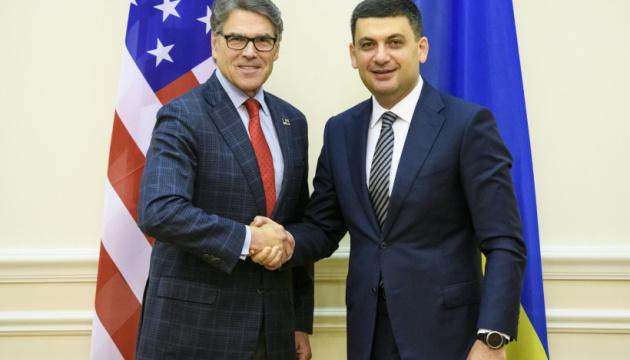 Гройсман запропонував Перрі об'єднатися проти Nord Stream 2