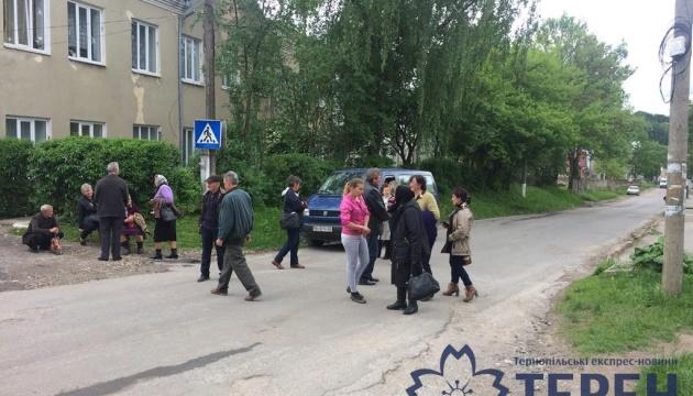 На Тернопільщині заблокували міжнародну автотрасу
