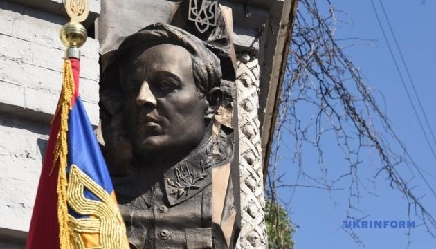 В Україні вшановують 140-річчя від дня народження Симона Петлюри