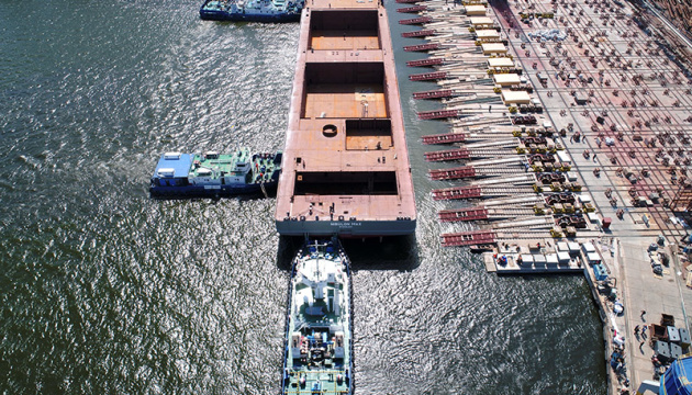В Николаеве спустили на воду самое большое судно за последние 25 лет
