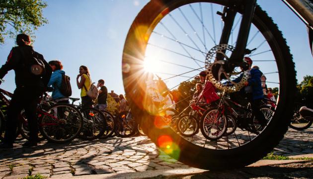 Від коронавірусу – на велосипеді. Маршрути безпечного відпочинку