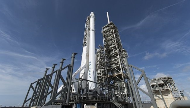 SpaceX запустила ракету з 60 супутниками для глобального інтернету