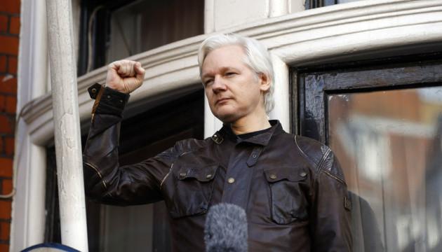"""Ассанж дав свідчення щодо """"шпигунства"""" у посольстві Еквадору в Лондоні"""