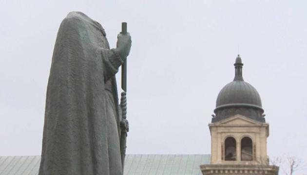 У канадському Вінніпезі невідомі пошкодили пам'ятник Володимиру Великому
