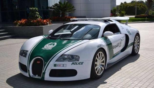 Авто полиции из ОАЭ попали в Книгу рекордов Гиннесса