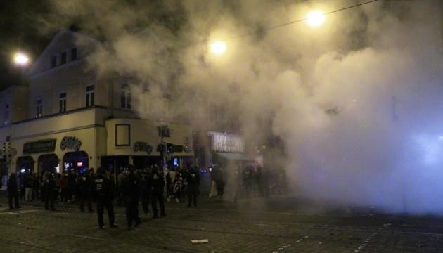 У Бремені в ніч перед виборами били вітрини і кидали пляшки у поліцію
