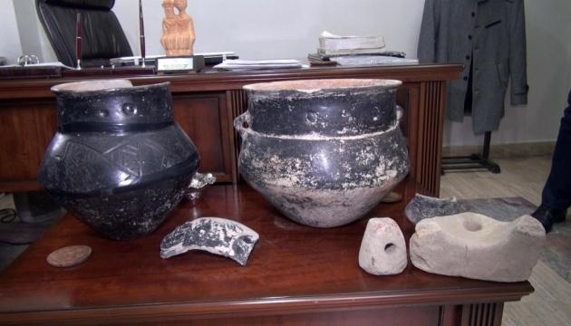 Турецький фермер знайшов на городі артефакти, яким майже 5 тисяч років