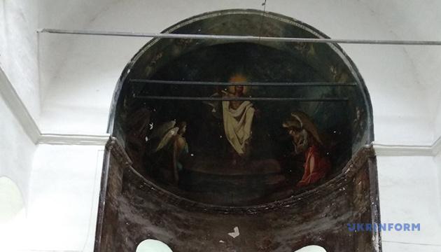 У ніжинському храмі ПЦУ проявляються старовинні розписи - настоятель