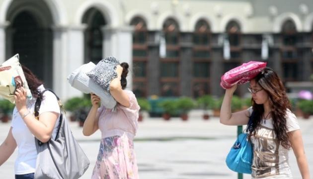 У Японії від аномальної спеки постраждали тисячі людей