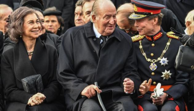 Бывший король Испании Хуан Карлос заявил, что уходит из публичной жизни