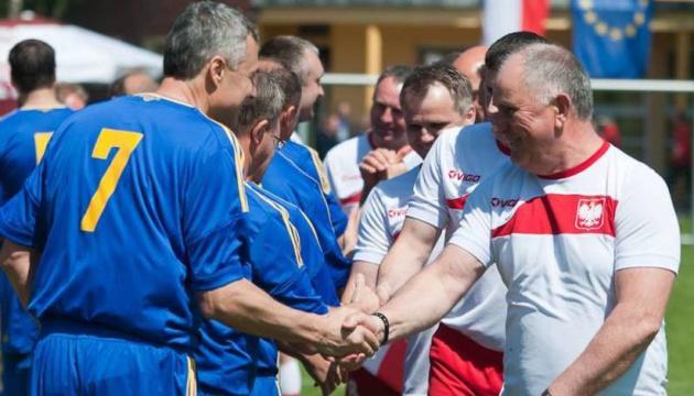 Футбольна збірна мерів України відсвяткувала перемогу в Польщі